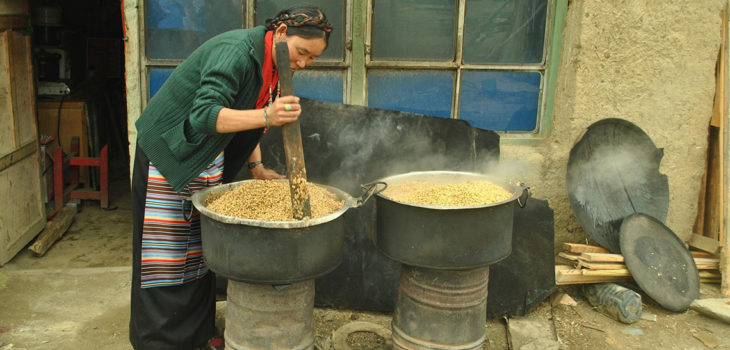Xizang Tibet, Nuovo Anno Tibetano, Festival della Grande Preghiera, assemblea del Dharma, Tsongkhapa, Setta Gelug, Buddhismo tibetano